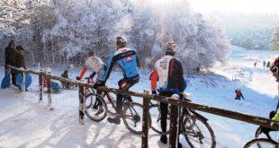 Mountainbiken in de sneeuw